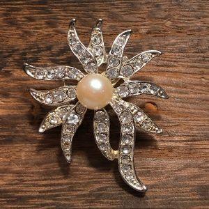 Pearl and rhinestone vintage pin